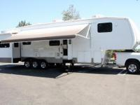 2009 Keystone Raptor 3600RL One owner, non-smoker, no