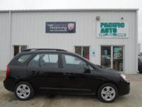2009 Kia Rondo with 104k miles !!!! Clean vehicle with