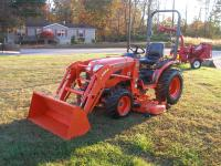 VERY NICE  KUBOTA B2920  4 X 4 LOADER MOWER TRACTOR, 29