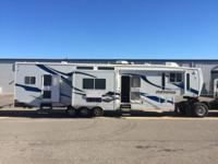 43 feet fifth wheel toy hauler This ad was posted with