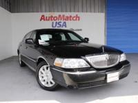 2009 LINCOLN Town Car Sedan Signature Limited Our