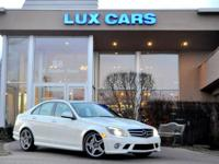 2009 MERCEDES-BENZ C63 AMG! NAVIGATION! LEATHER SEATS!