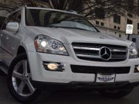 This Mercedes Benz GL450 4MATIC 7-Speed Automatic is