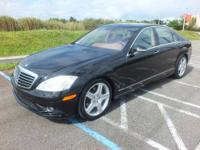 Black w/Exclusive Leather Upholstery, GPS / Nav /