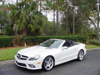 THIS GORGEOUS 2009 MERCEDES BENZ SL550 ROADSTER IS A