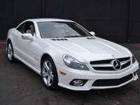 This 2009 Mercedes-Benz SL-Class 2dr SL550 2dr Roadster