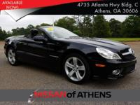 Come see this 2009 Mercedes-Benz SL-Class V8. Its