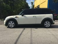SELLING MY BEAUTIFULL 2009 MINI COOPER CLUBMAN 2 DR