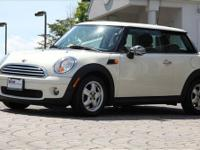 2009 Mini Cooper Hardtop *Pepper White Exterior with