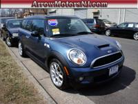 Exterior Color: lightning blue metallic, Body: Wagon,