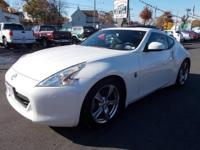 2009 Nissan 370Z 2-Door Coupe Exterior Color: Pearl
