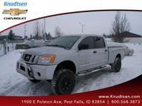 Options:  2009 Nissan Titan Se|Radiant Silver|Charcoal
