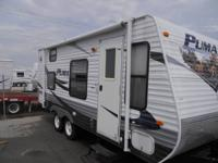 Up for sale is a 2009 Puma 19FS travel trailer. This
