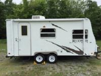 Rear Corner Bath, Tub/Shower, Bunks w/Lower Double Bed,