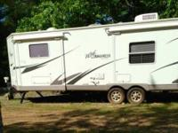 2009 Rockwood Windjammer M3001W Travel Trailer. This is