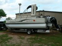 2009 Sun Tracker 21' Fishin Barge - 60 hp Mercury Big