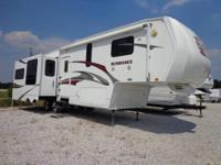 2009 HEARTLAND SUNDANCE / 5TH WHEEL / TRIPLE SLIDE