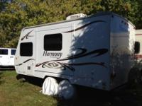 2009 Sunnybrook Harmony Travel Trailer.One OwnerMINT
