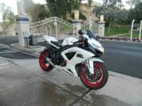 Selling my beautiful 09 Suzuki gsxr 600, shes a true