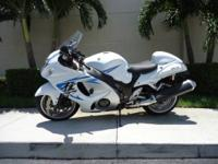 This is a gorgeous 2009 Suzuki Hayabusa with only 18k