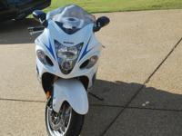 This a gorgeous 2009 Hayabusa in excellent condition.