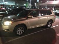 We are excited to offer this 2009 Toyota Highlander.