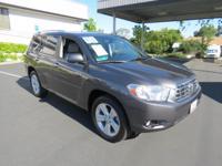 Exterior Color: classic silver metallic, Body: SUV,
