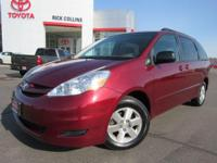 This 2009 Toyota Sienna comes equipped with dual power