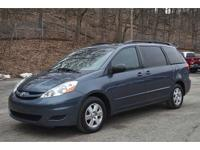 Low-mileage 2009 Sienna LE with Leather Seats, Climate