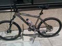 I have a 2009 Trail X3 Jamis mountain bike for sale.