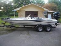 2009 Triton Explorer 19 bass boat with 200 Mercury