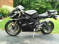 "2009 Triumph Daytona 675 Black with Heli ""track Star"""