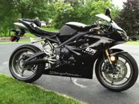 "2009 Triumph Daytona 675 Black with Heli ""track"