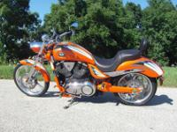 2009 VICTORY VEGAS JACKPOT PREMIUM - ORANGE CRUSH