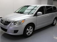 This awesome 2009 Volkswagen Routan comes loaded with
