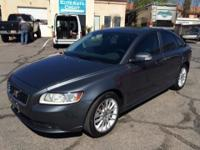 This 2009 Volvo S40 has a 5-Cyl 2.4L high ouput engine.