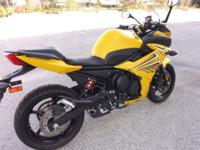 A lightly used Yamaha 940 Miles original miles,Gas tank
