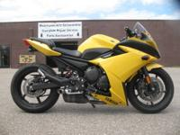 2009 Yamaha FZ6R in Yellow Stunter Edition 14,141