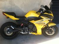 2009 YAMAHA FZ6R 014.998 original miles Smooth. Fast.