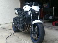 for sale is a Yamaha fz6r 2009 Street Fighter this bike