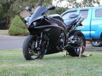 Selling my 2009 Yamaha R1 raven edition with a low 7600