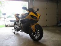2009 Yamaha YZF-R1 | Black and Yellow | 9,500 miles |