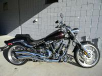 2009 Yamaha Raider S BLACK ONLY 2607 MILES RUNS AND