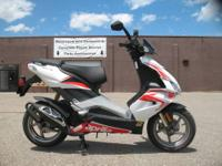 2009 Yamaha Vino 125 Scooter - Only $2,299.00! Brand