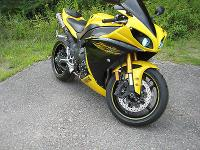 2009 Yamaha R1 1150 miles First year of the new 1000cc