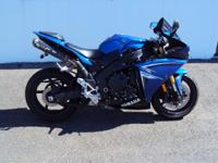 Motorcycles SuperSport 194 PSN . 2009 Yamaha YZF-R1