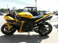 2009 Yamaha YZF R1 FINANCING AVAILABLE!!  Utilize the
