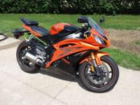 2009 Yamaha YZF-R6. Orange and black- One of a kind-