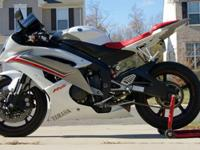 I'm selling my 2009 Yamaha YZF-R6 with 13,790 miles on