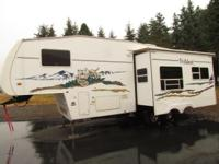 2005 29' WILDCAT M-27RLWB 5TH WHEEL RV WITH SUPER